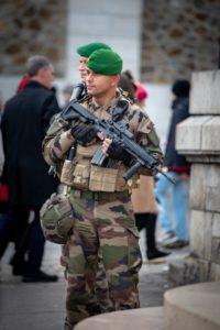 Soldaten in Paris, Frankreich